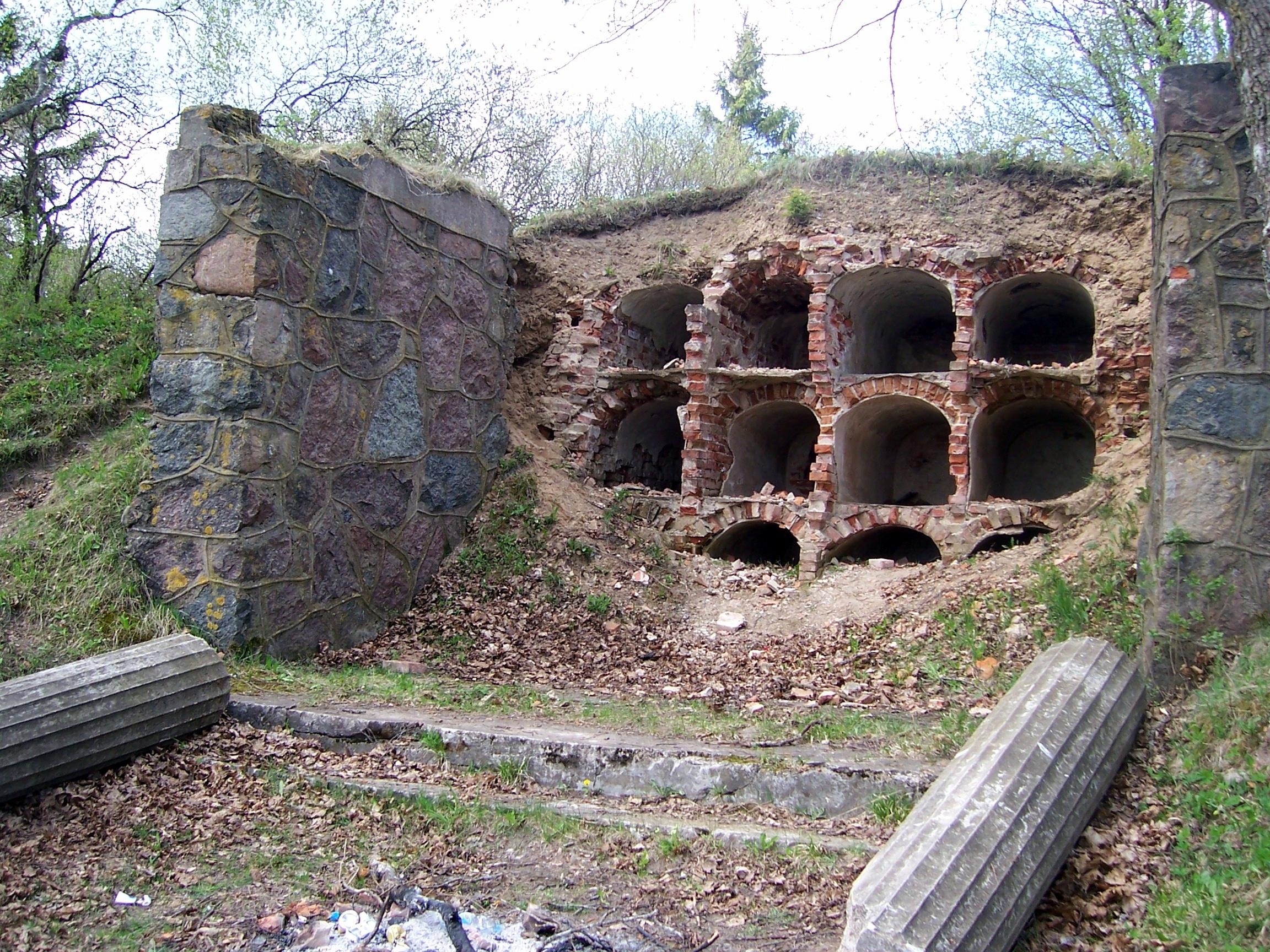 Sakelių mauzoliejus