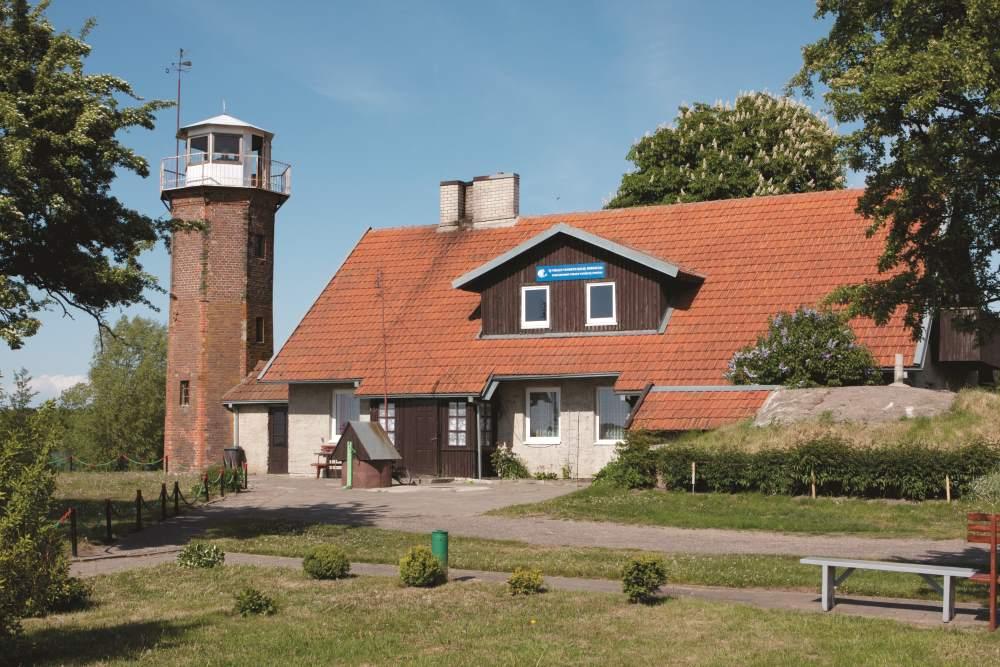Uostadvario švyturys ir vandens kėlimo stotis