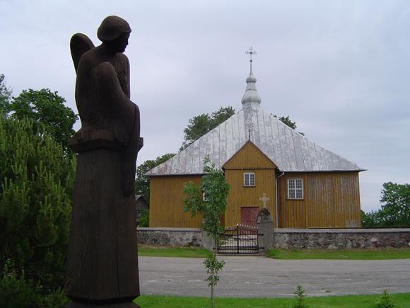 Degučių medinė bažnyčia  01