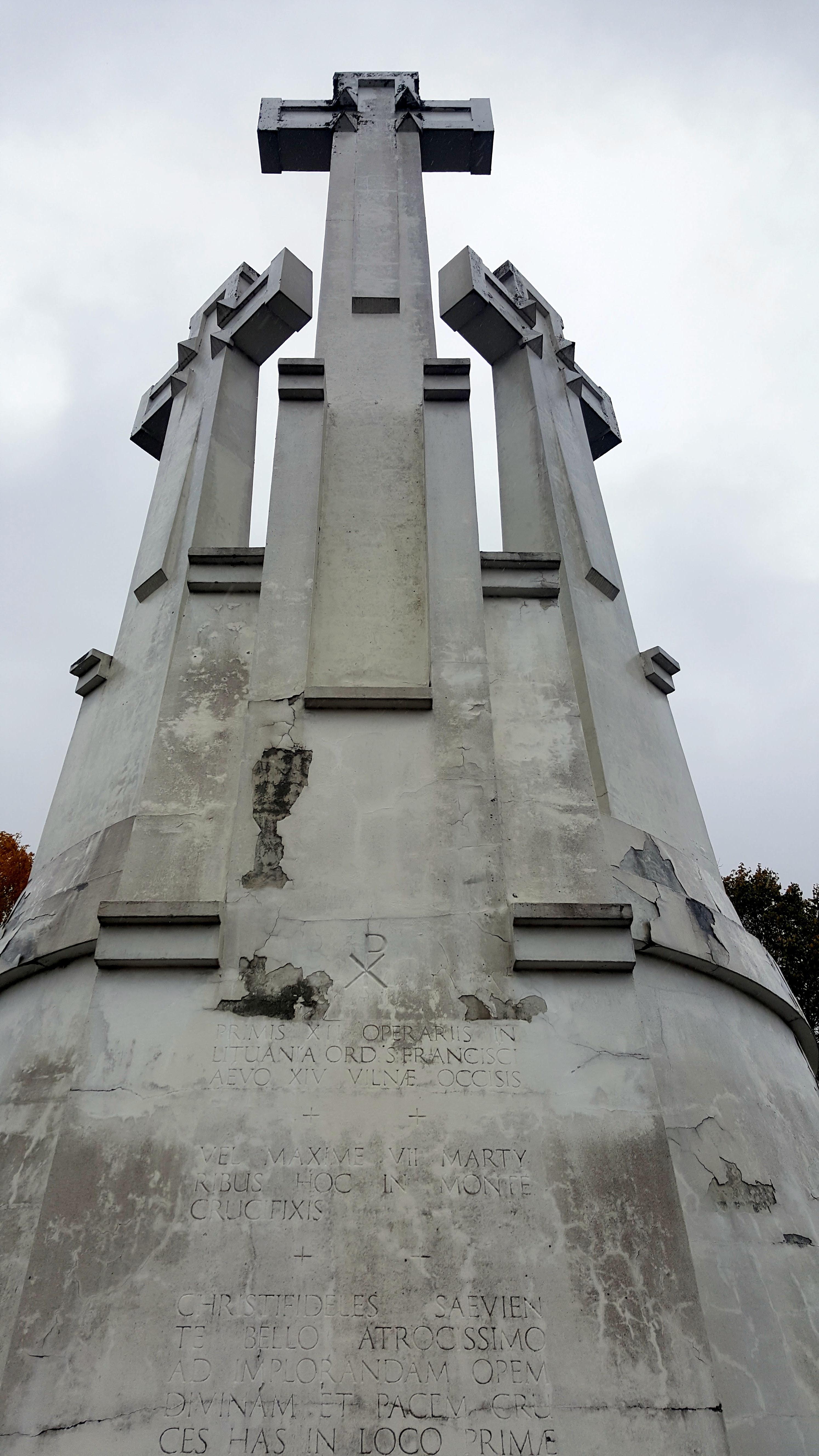 Trijų kryžių paminklas