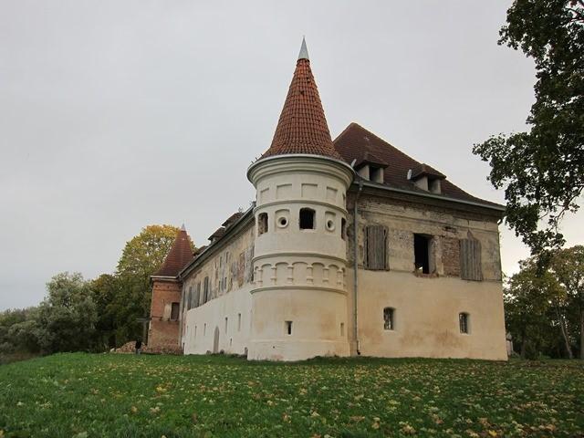 Siesikų (Daugailių) dvaras – pilis