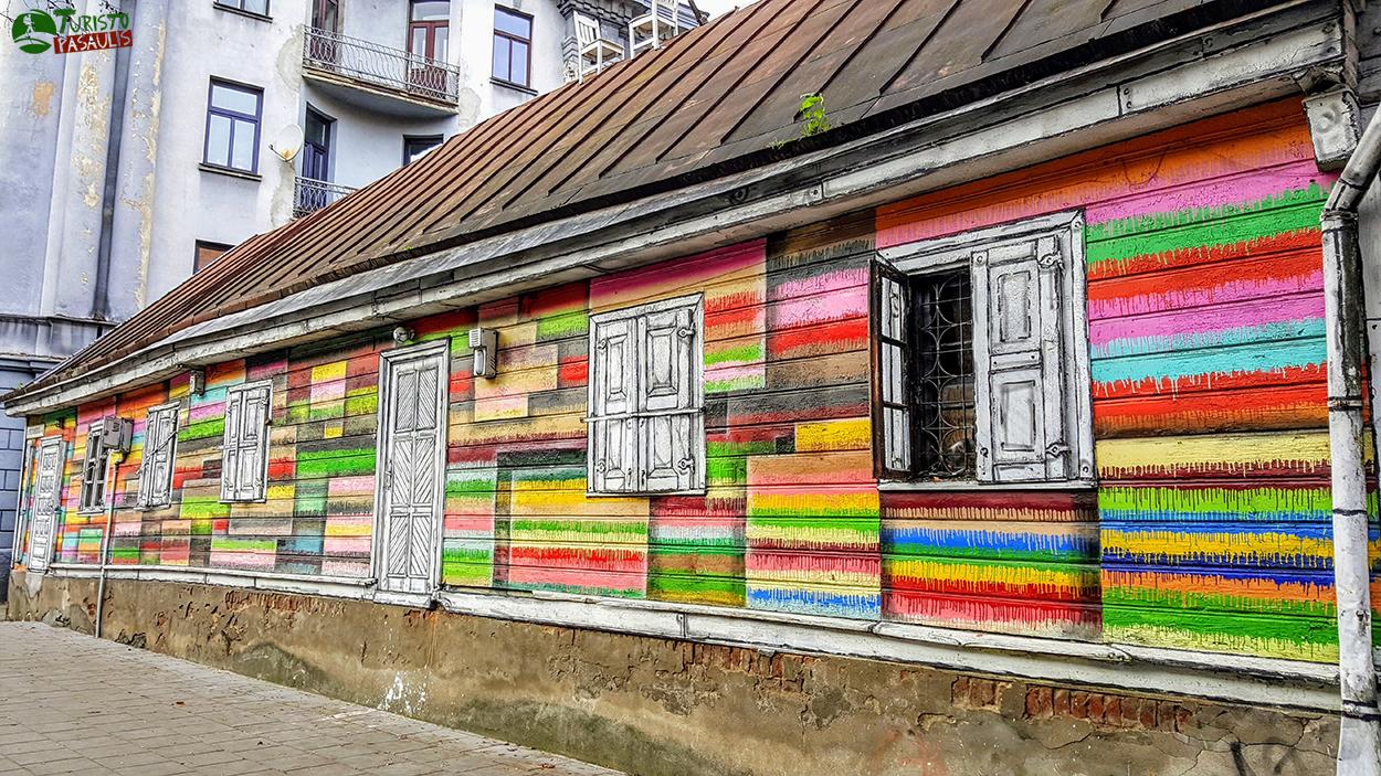 Kaunas graffiti Spalvotas medinukas